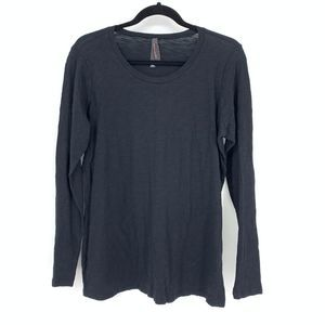 Torrid 00 US M Long Sleeve Black Slub Knit Tee
